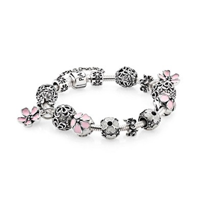 Genuine Pandora Jewelry: Official Website | PANDORA