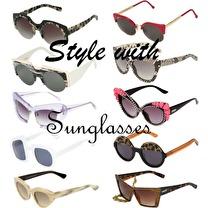 3c7db144fe8 라피네스트  Linda Farrow Luxe Python Skin Sunglasses ...